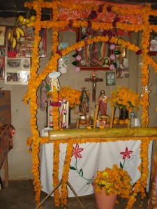 Traditional_Altar_for_the_Dead-Mexico