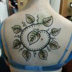henna back