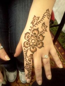henna-hand